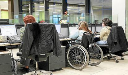 El SEF ofrece ayudas de 3.907 euros por la contratación indefinida de un discapacitado