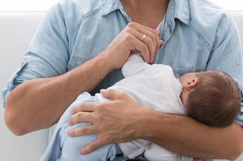 Se inicia la tramitación de la nueva regulación de los permisos de paternidad
