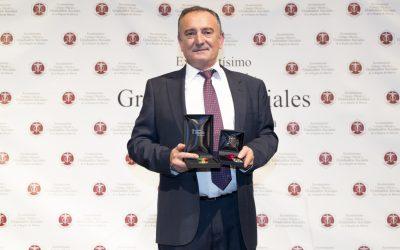 Miguel Camacho, medalla de oro al mérito colegial del C.G de Graduados Sociales de España